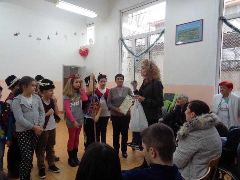 Коледна програма от ученици-СОУ Климент Охридски-гр.Бургас