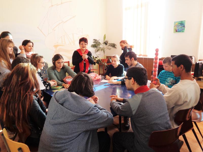 Доброволческа коледна самоинициатива на студенти от университет