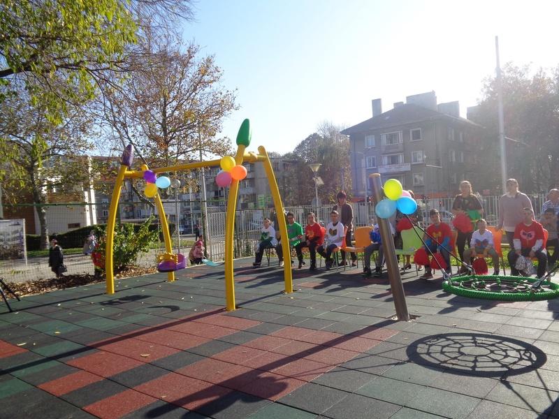 Тържествено откриване на детска площадка дарена от Ротарианската общност в Бургас със съдействието на Община Бургас 15.11.2019 г.